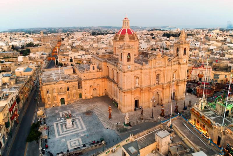 Iconic Places Worth To See In Malta: Zetjun Malta Square And Church