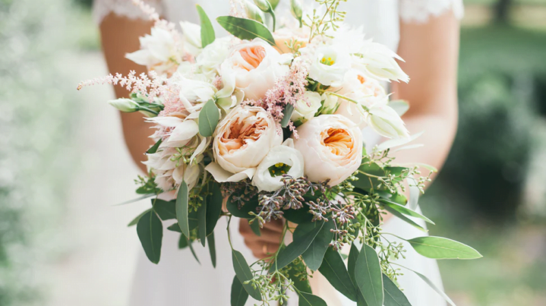 How to Recycle Leftover Wedding Flowers